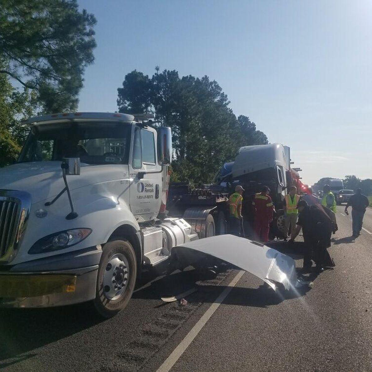 Texas man killed in wreck near Grosse Tete involving four 18-wheelers