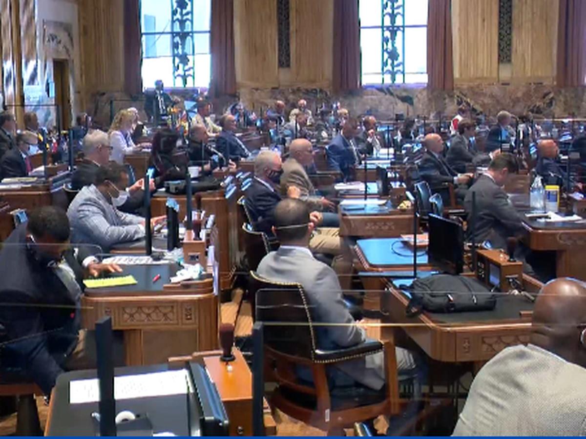 La. lawmakers buy time to solve unemployment crisis
