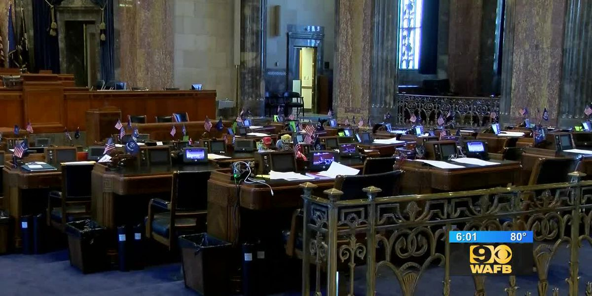 Legislators advance minimum wage hike, equal pay proposals