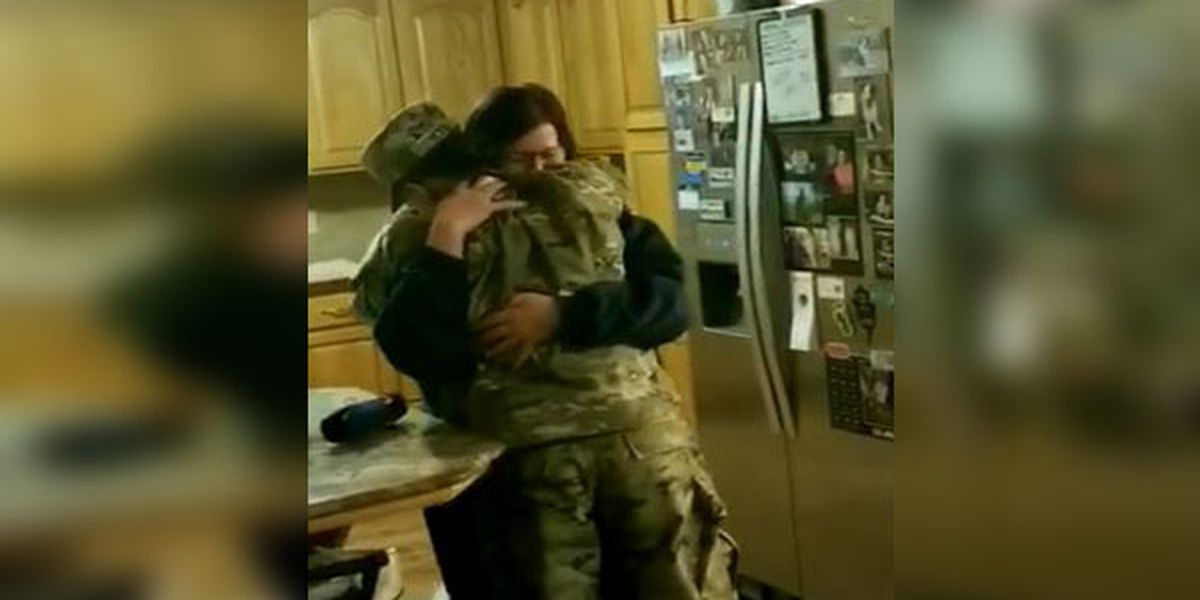 Soldier from Walker, La. returns home and surprises family