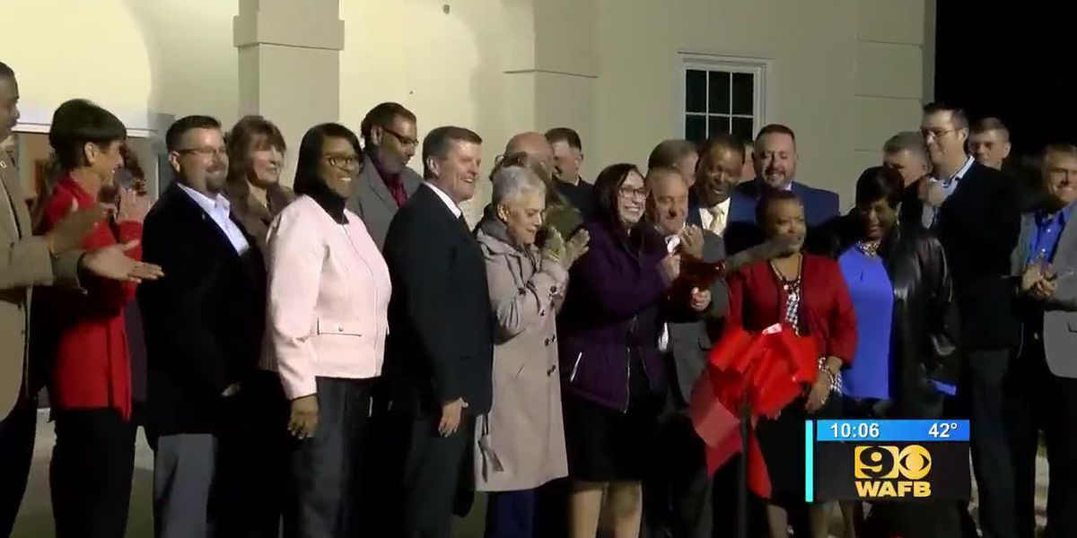 Ribbon cutting held for newly renovated auditorium in Donaldsonville