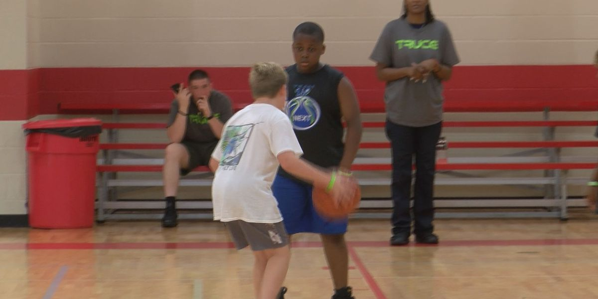 Basketball Tournament unites law enforcement and Baton Rouge youth