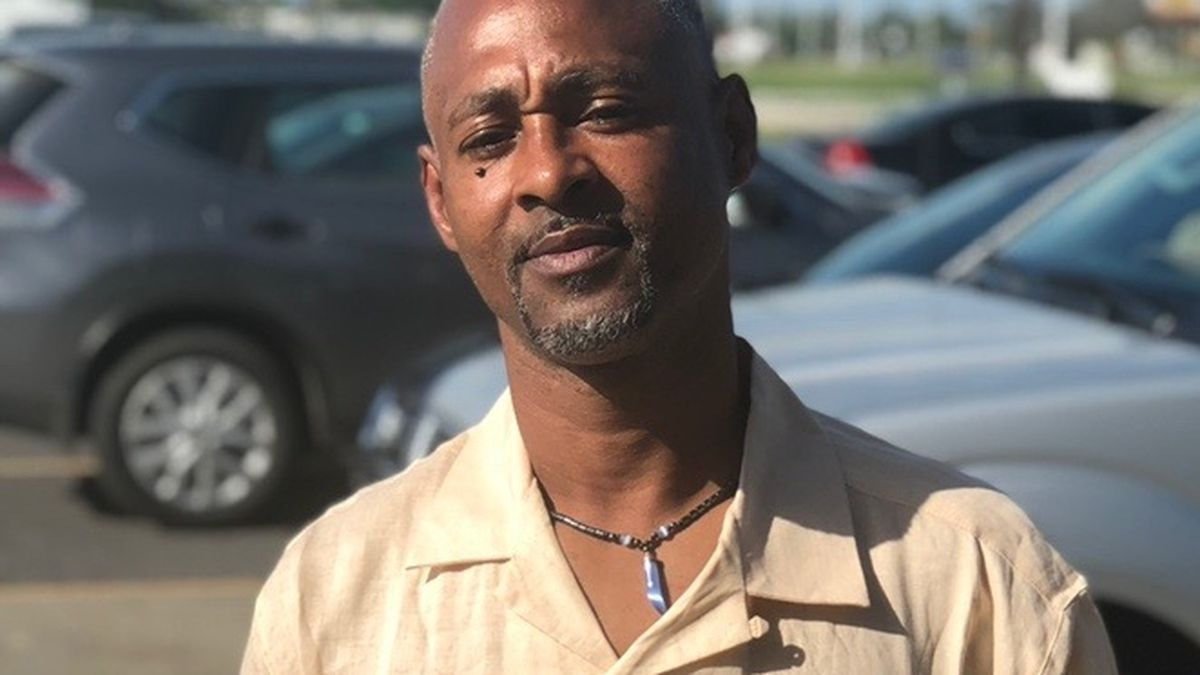 Vigil held for father of 3 gunned down on Hanks Drive