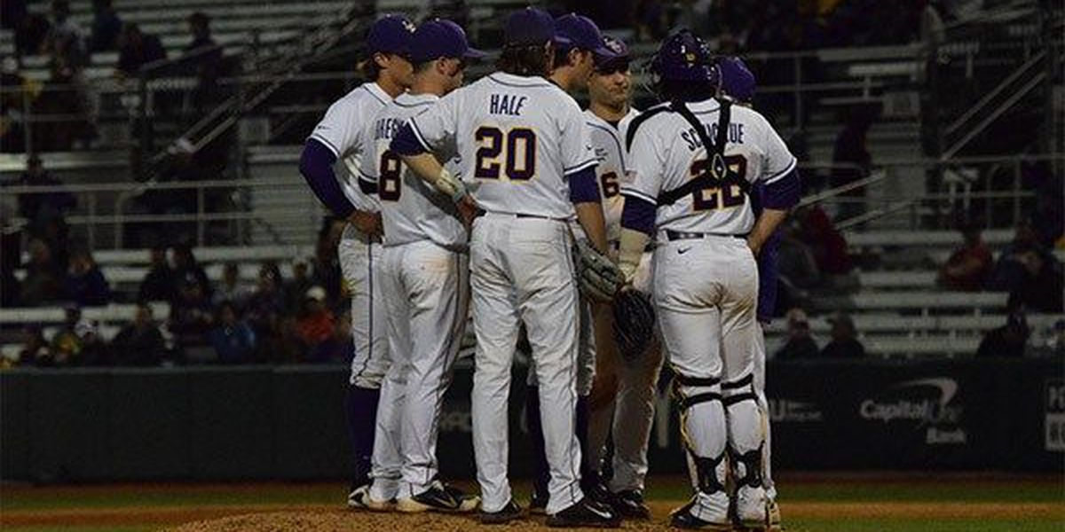 No. 8 LSU drops series finale to top-ranked Florida, 6-2