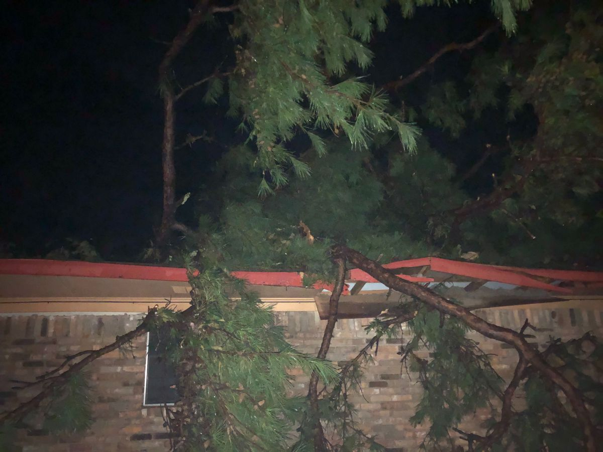 Storms leave damage, power outages in ArkLaTex