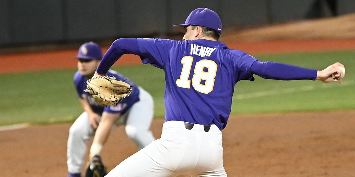 No. 10 LSU rebounds to rout No. 25 Florida in Game 2