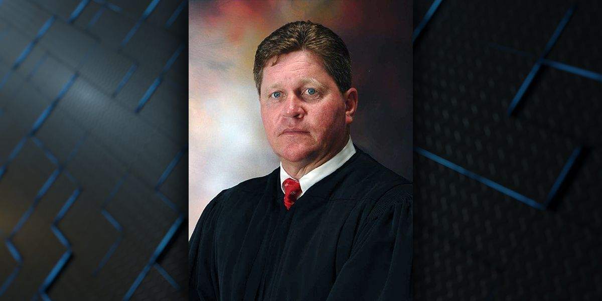 Former judge makes last second entry into West Baton Rouge sheriff's race