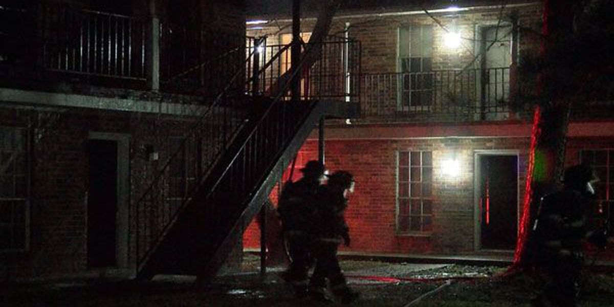 Fire at Pine Square apartments displaces Baton Rouge families