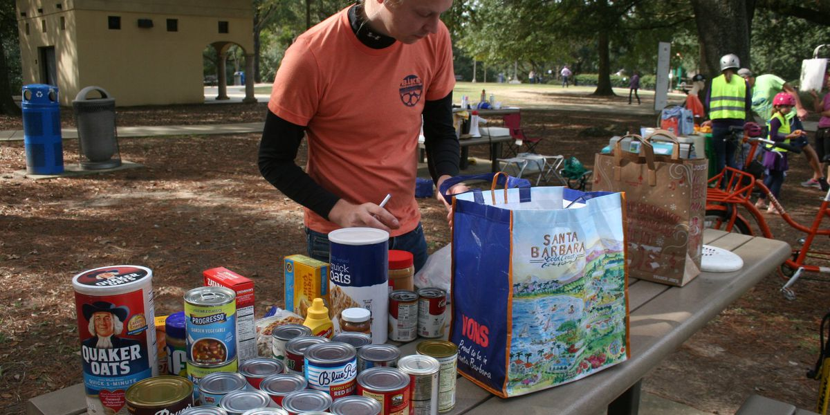 Bike Baton Rouge holds 4th annual Cranksgiving food drive event