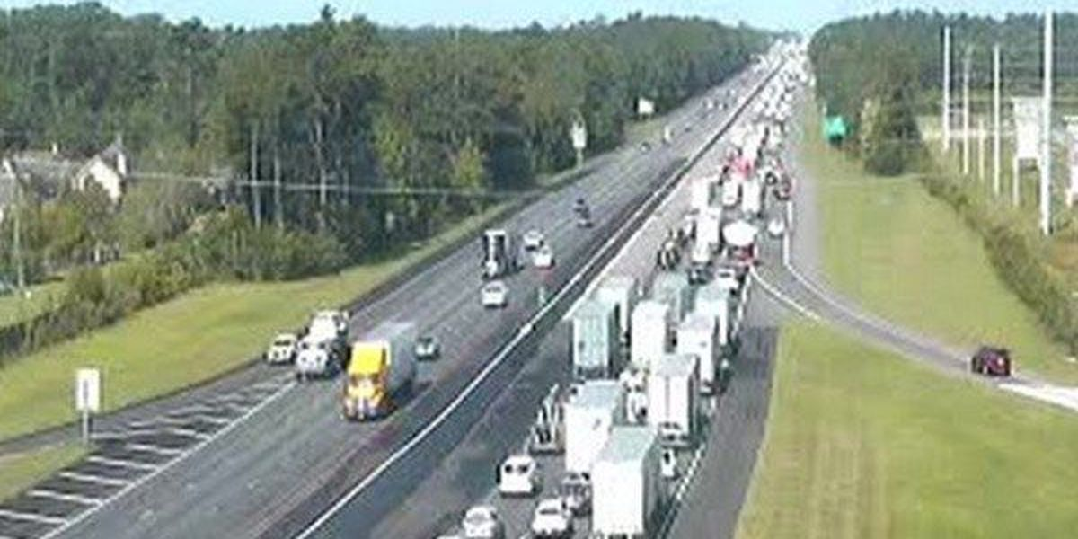 Traffic flows normally on I-12 W at O'Neal after crash cleared