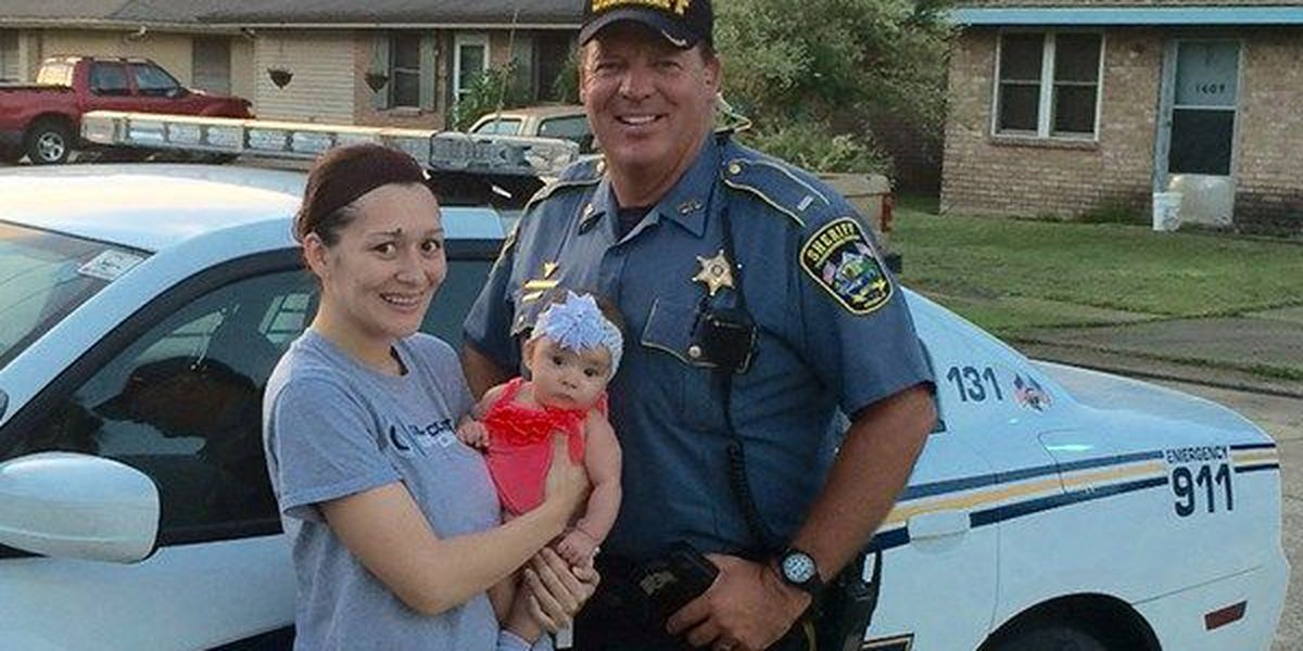 Deputy rescues baby accidentally locked in car in afternoon heat