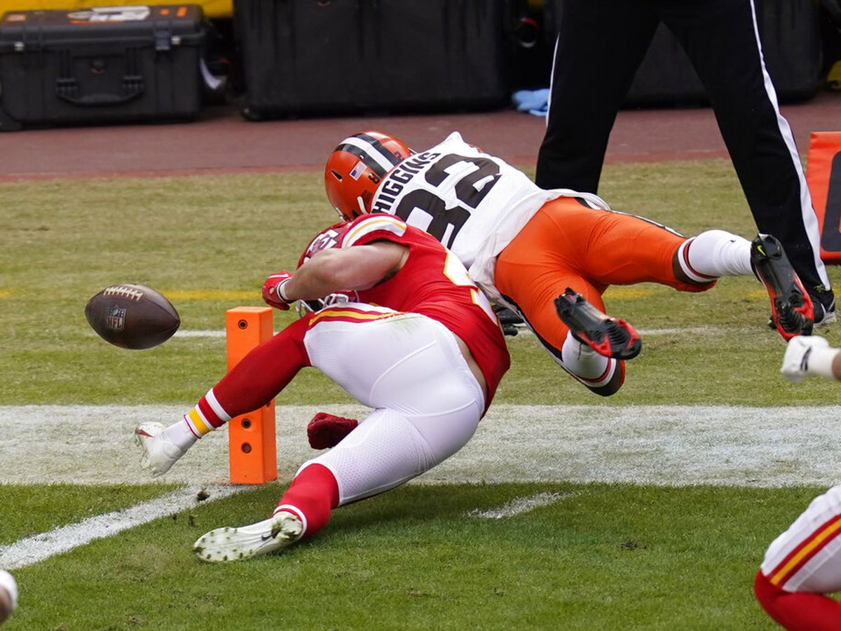'Worst rule in football': NFL world reacts to costly goal-line turnover by the Browns