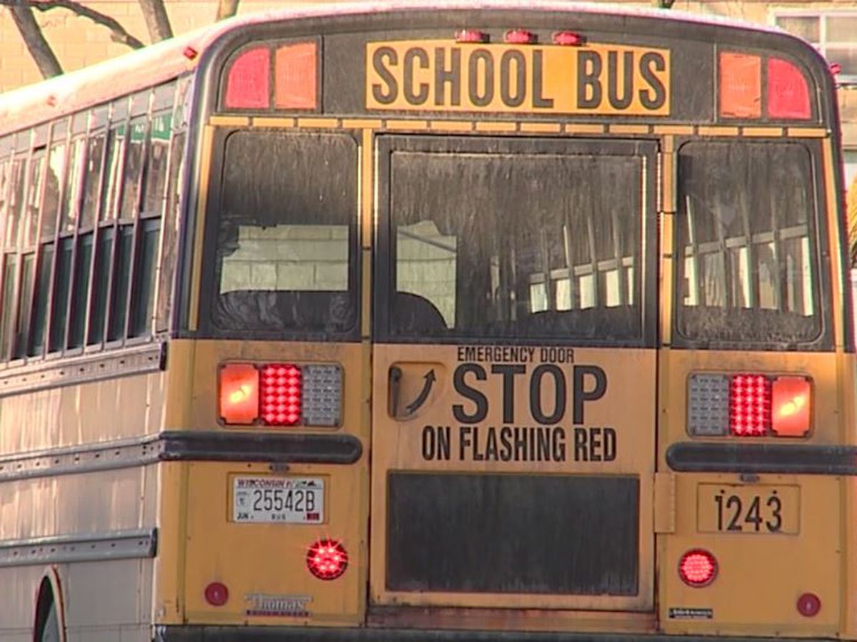 Good Samaritan rescues 4-year-old girl from Milwaukee school bus after driver allegedly left her