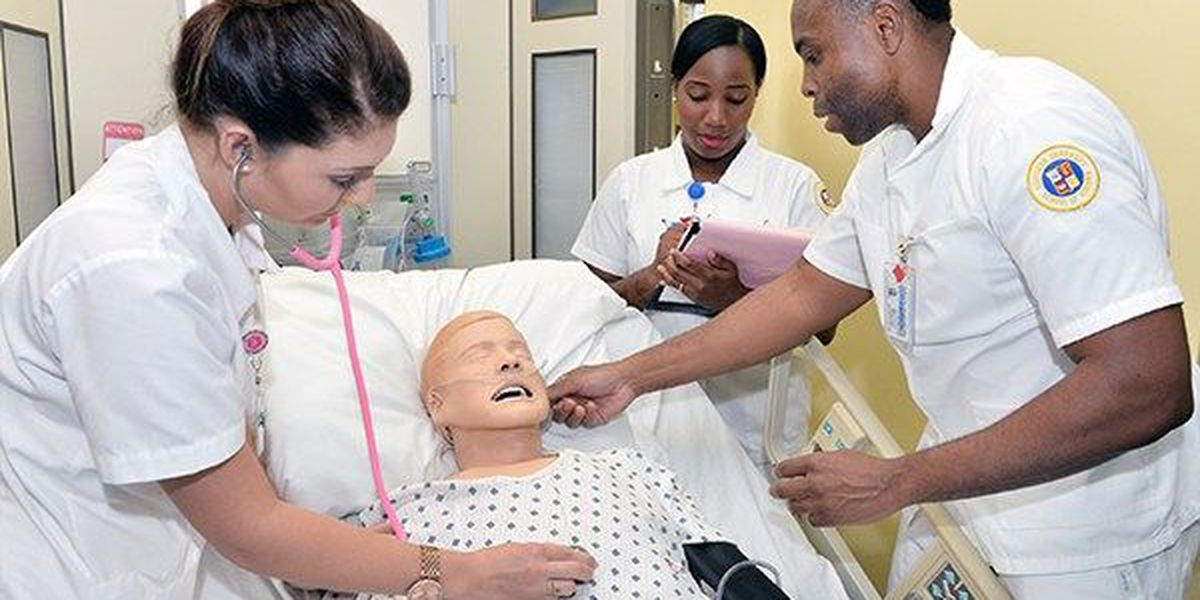 150 high school students attend SU Nursing's 'Simulation day'